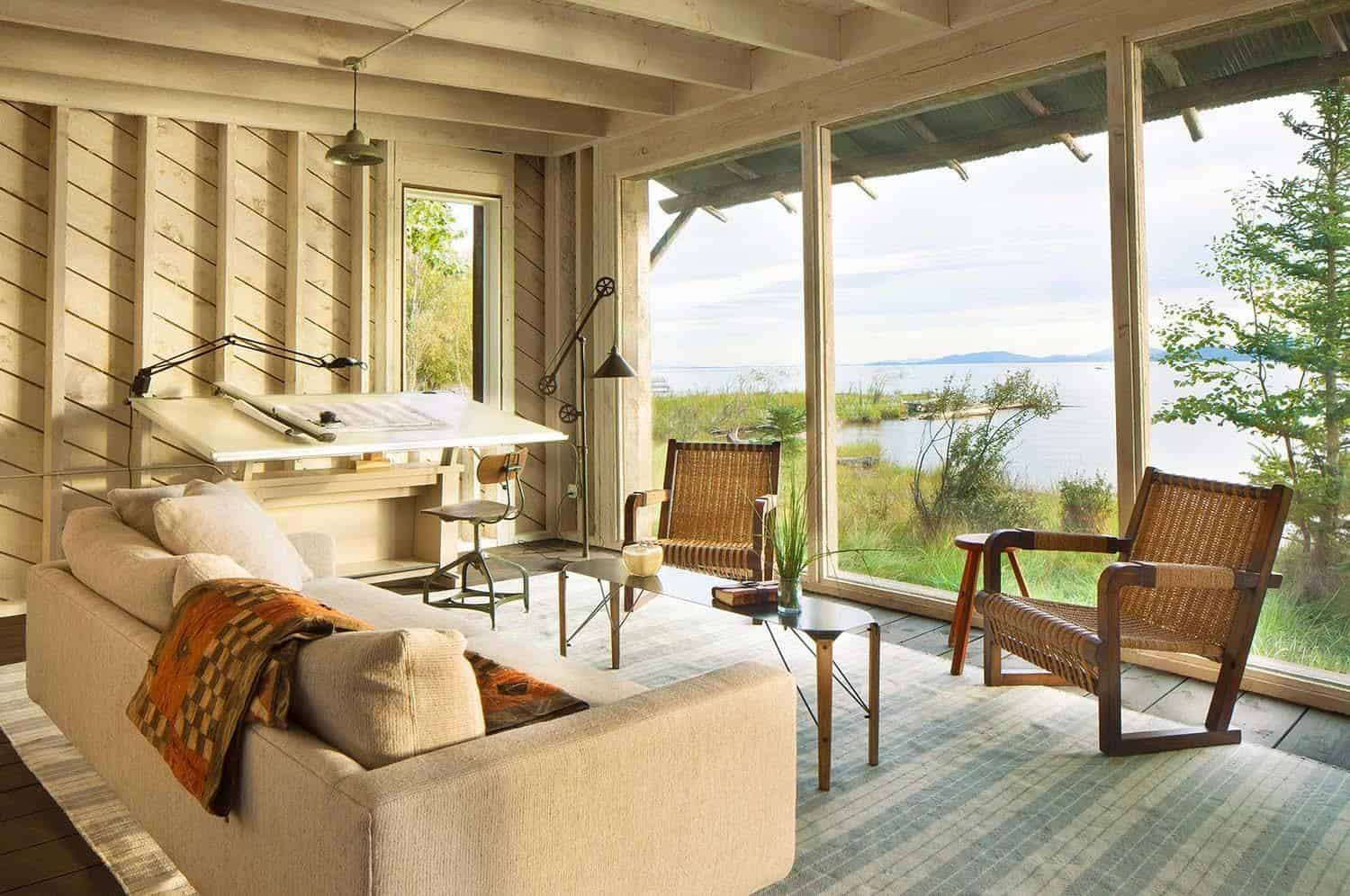 Modern-rustic cabin in Montana offers captivating lakeside views