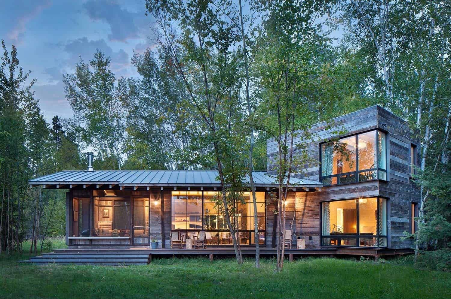 Modern Rustic Cabin In Montana Offers Captivating Lakeside