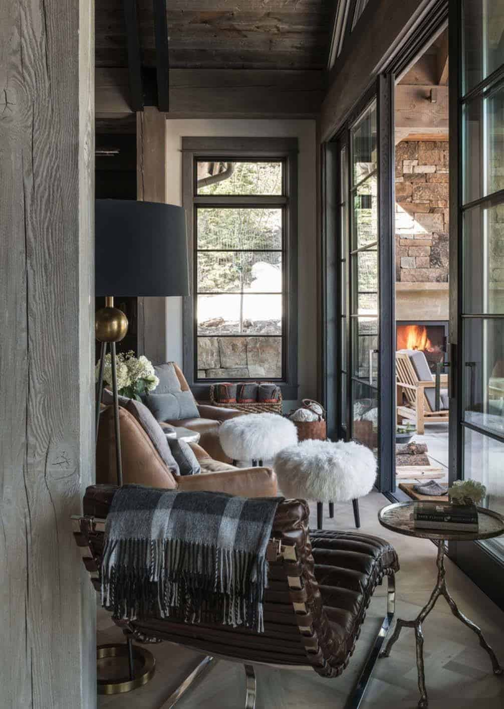 ski in ski out chalet in montana with rustic modern styling. Black Bedroom Furniture Sets. Home Design Ideas