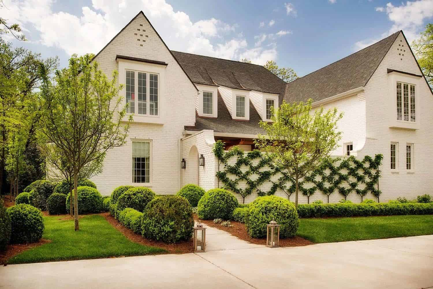 Charming English Country House In Nashville With A Modern