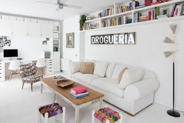 featured posts image for Bright, white and newly renovated apartment in Barcelona