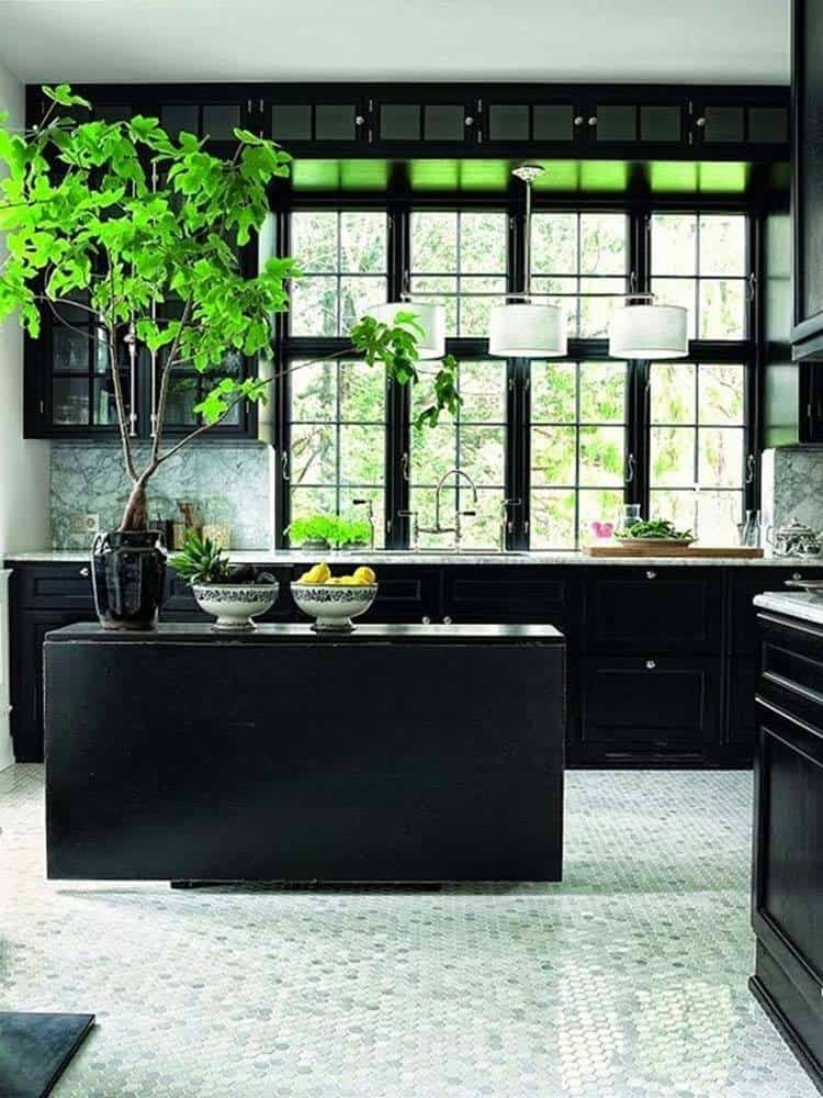 Dramatic Black Kitchen Ideas-01-1 Kindesign