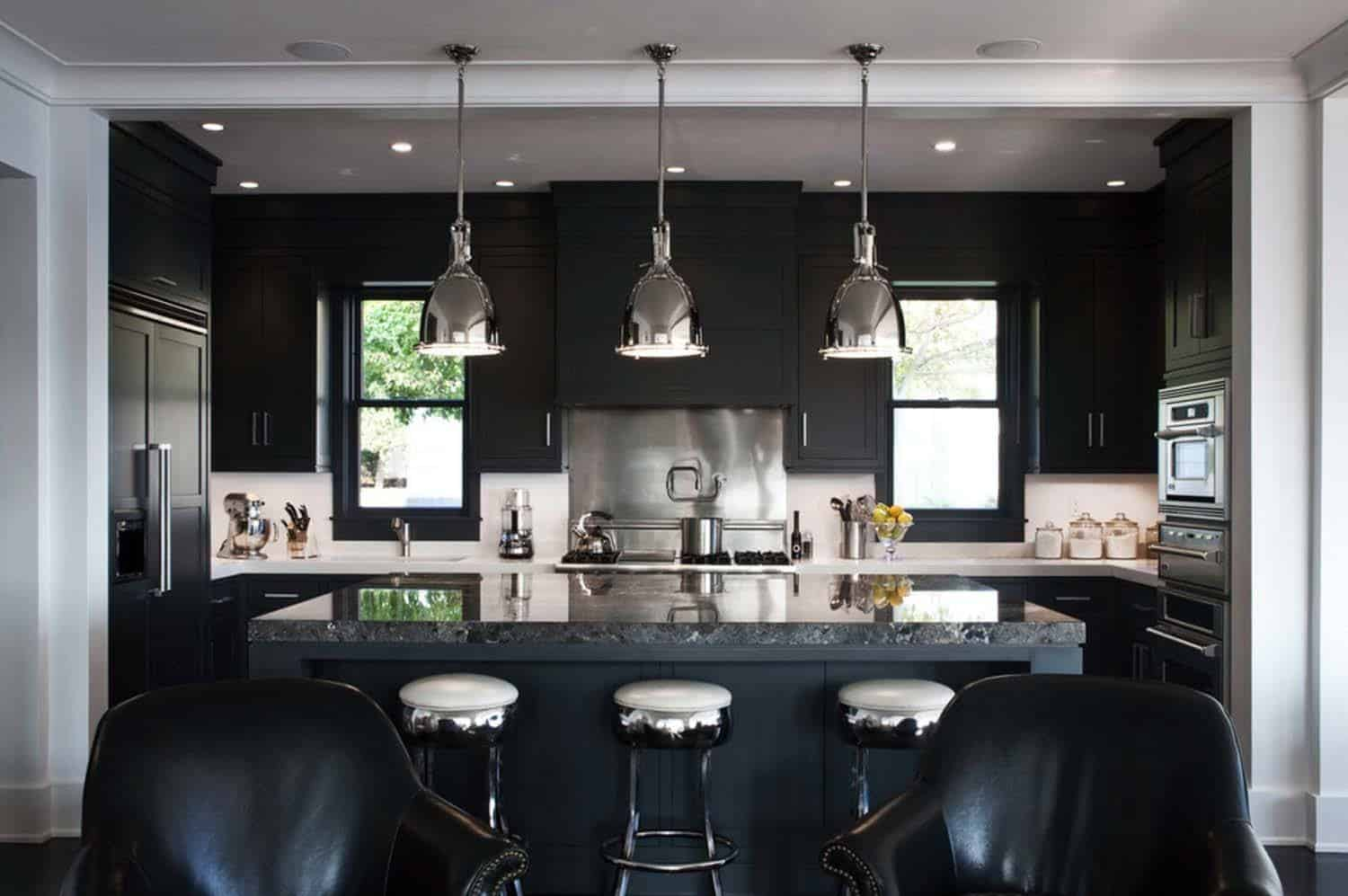 Dramatic Black Kitchen Ideas-02-1 Kindesign