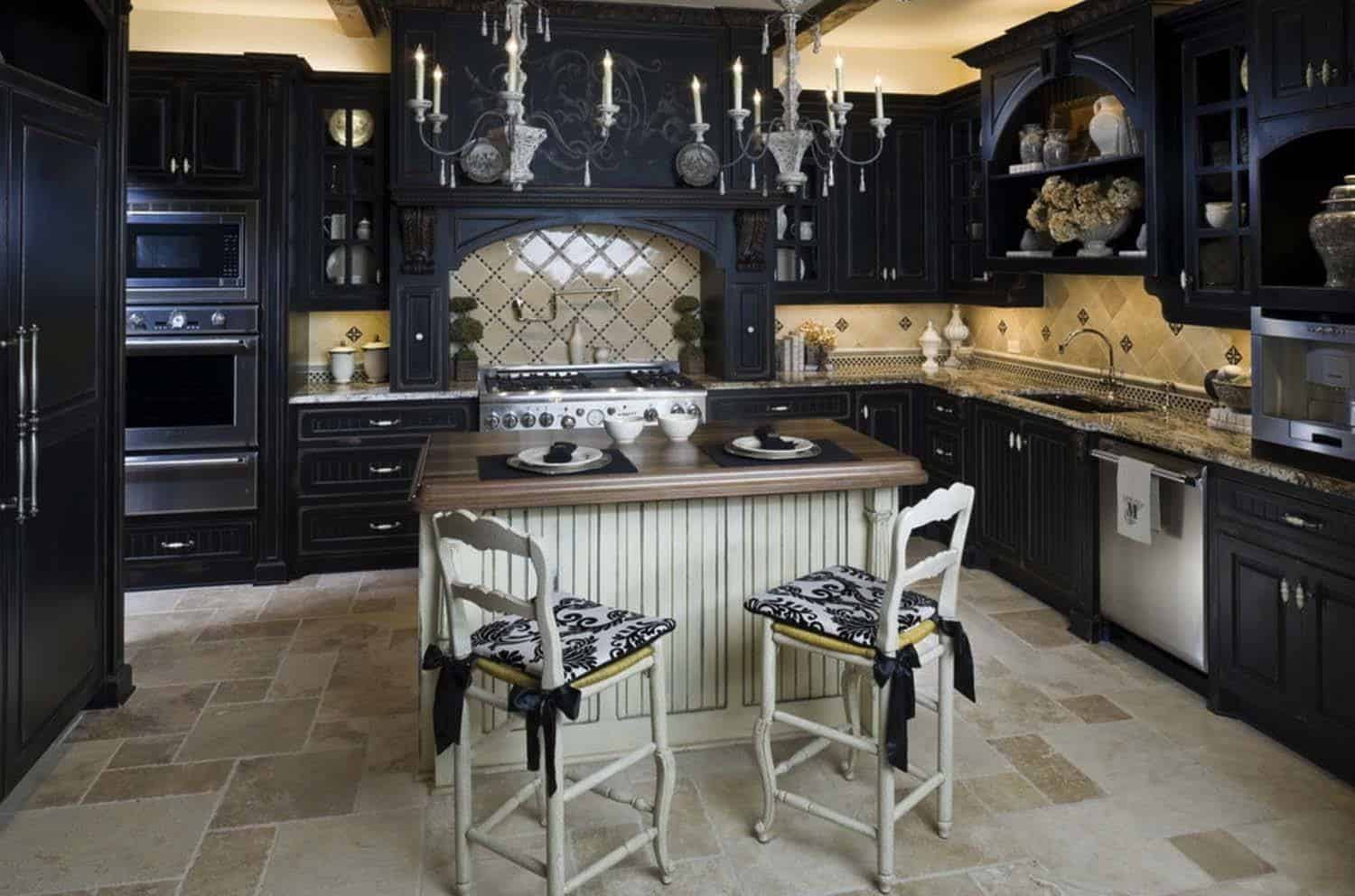 Dramatic Black Kitchen Ideas-07-1 Kindesign