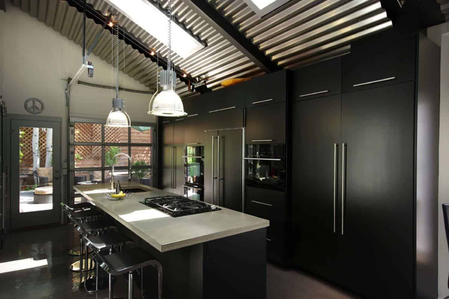 Dramatic Black Kitchen Ideas-09-1 Kindesign
