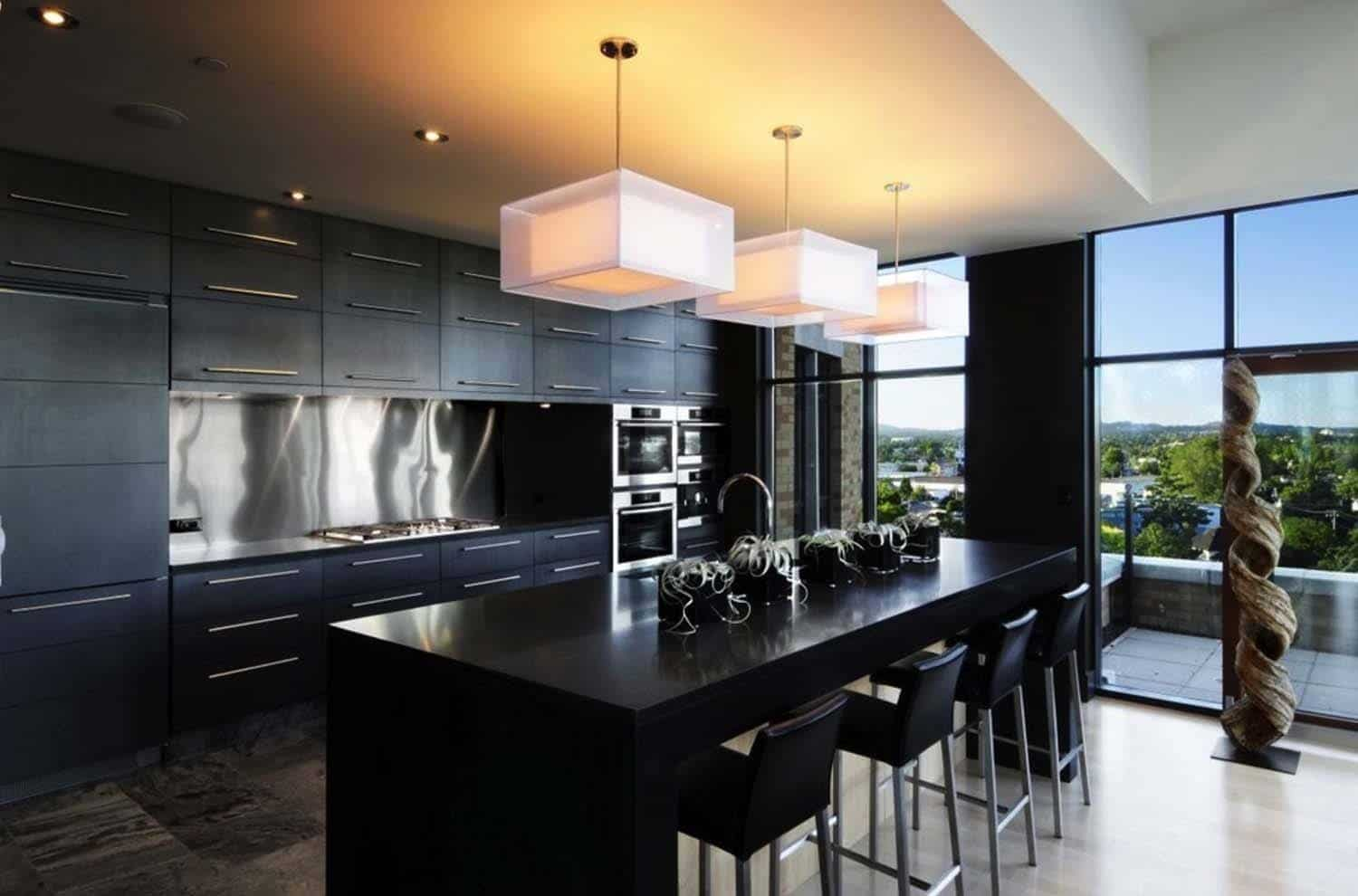 Dramatic Black Kitchen Ideas-14-1 Kindesign
