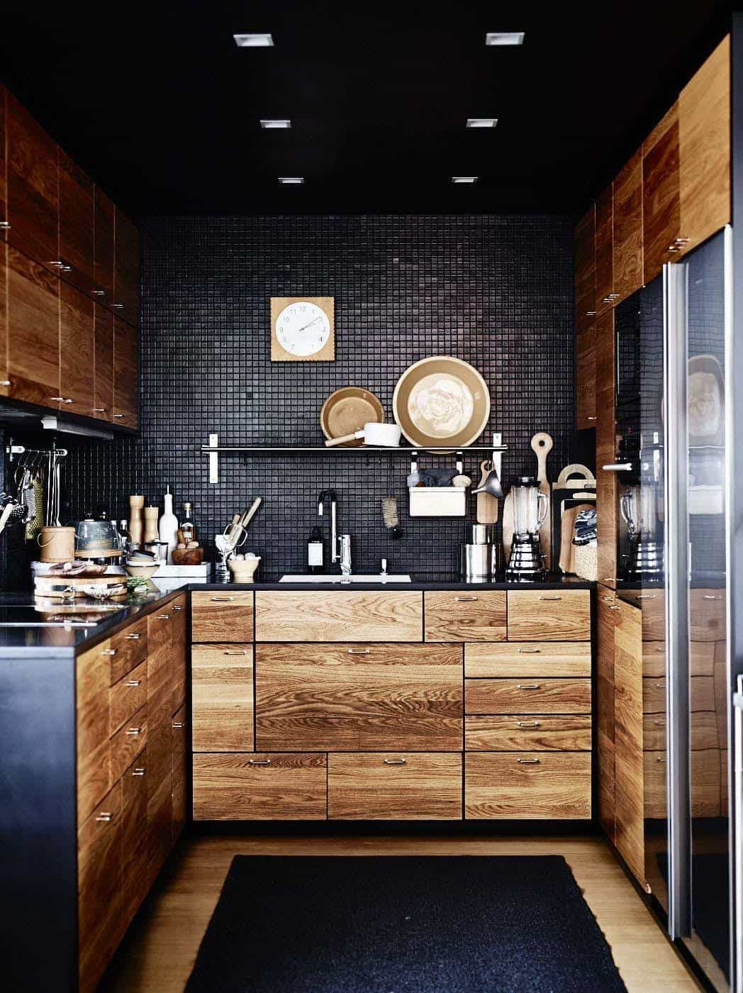 Dramatic Black Kitchen Ideas-23-1 Kindesign