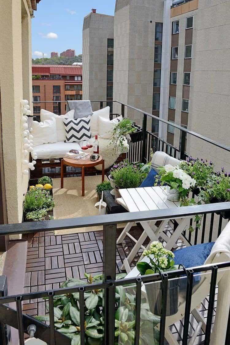 Fabulous-Spring-Balcony-Decor-Ideas-08-1 Kindesign