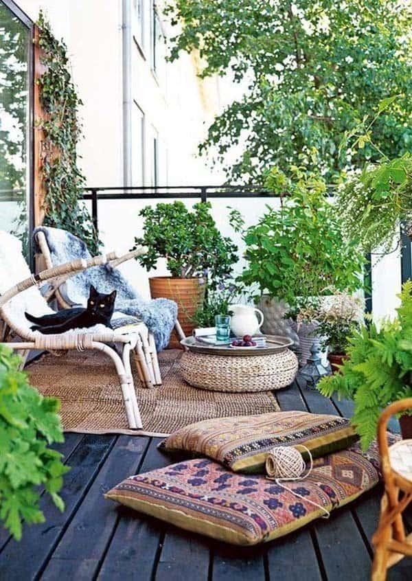 Fabulous-Spring-Balcony-Decor-Ideas-09-1 Kindesign