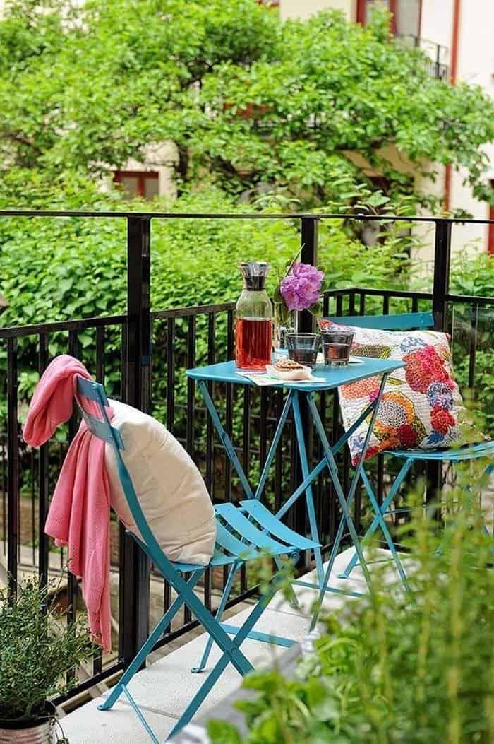 Fabulous-Spring-Balcony-Decor-Ideas-10-1 Kindesign