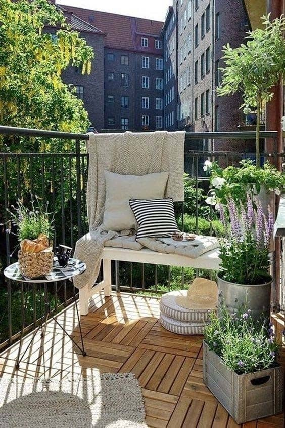 Fabulous-Spring-Balcony-Decor-Ideas-12-1 Kindesign & 45+ Fabulous ideas for spring decor on your balcony