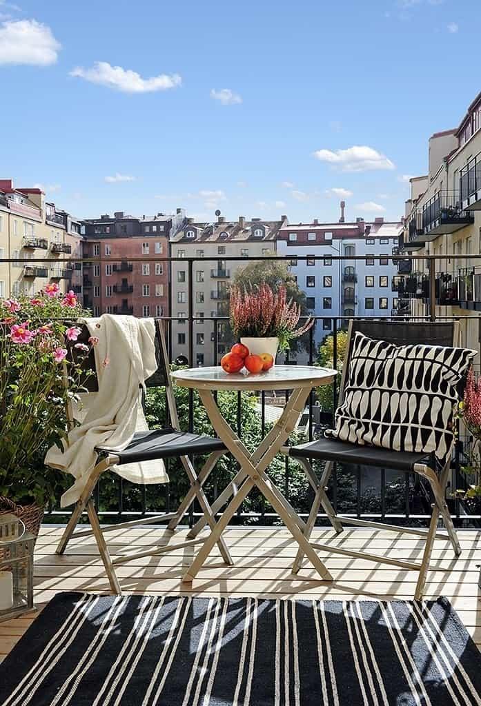 Fabulous-Spring-Balcony-Decor-Ideas-14-1 Kindesign