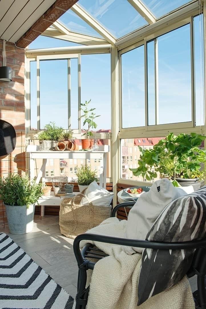 Fabulous-Spring-Balcony-Decor-Ideas-17-1 Kindesign