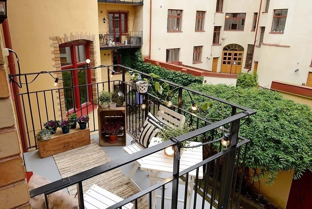 Fabulous-Spring-Balcony-Decor-Ideas-24-1 Kindesign