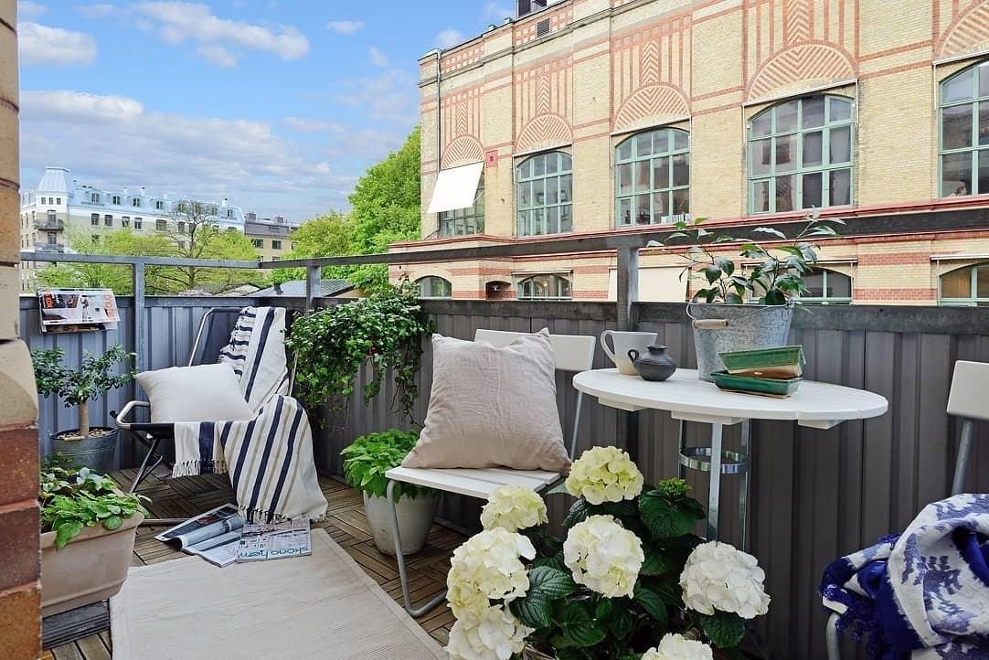 Fabulous-Spring-Balcony-Decor-Ideas-25-1 Kindesign