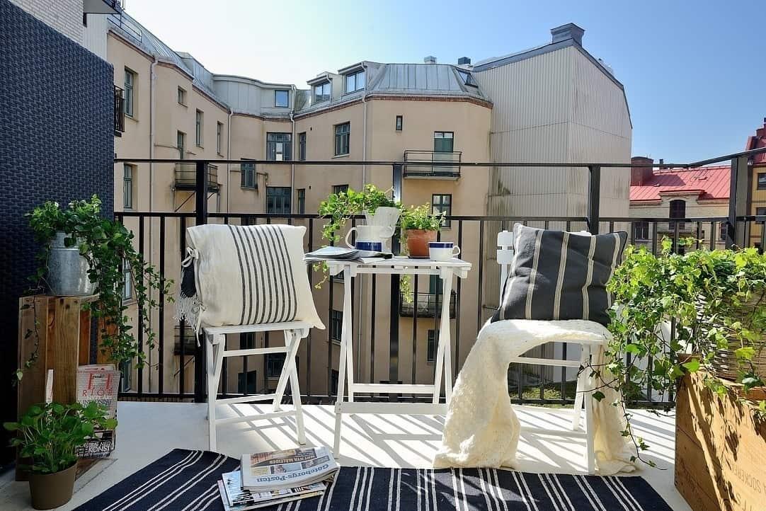 Fabulous-Spring-Balcony-Decor-Ideas-27-1 Kindesign