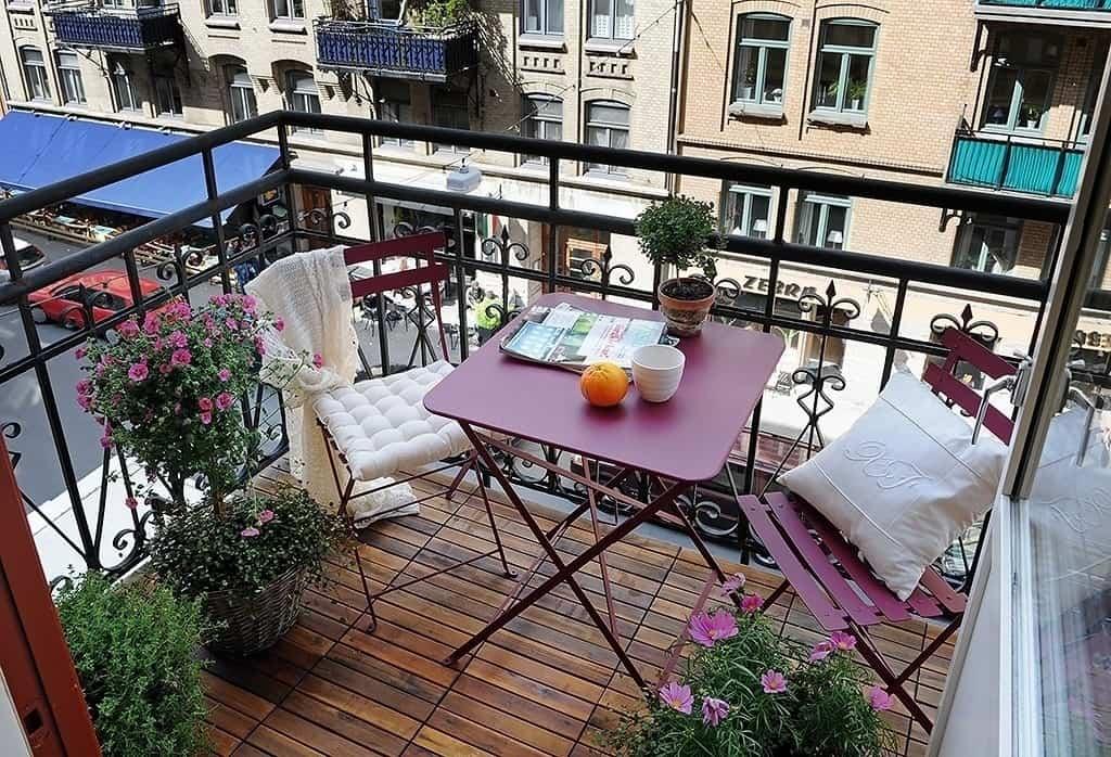 Fabulous-Spring-Balcony-Decor-Ideas-32-1 Kindesign