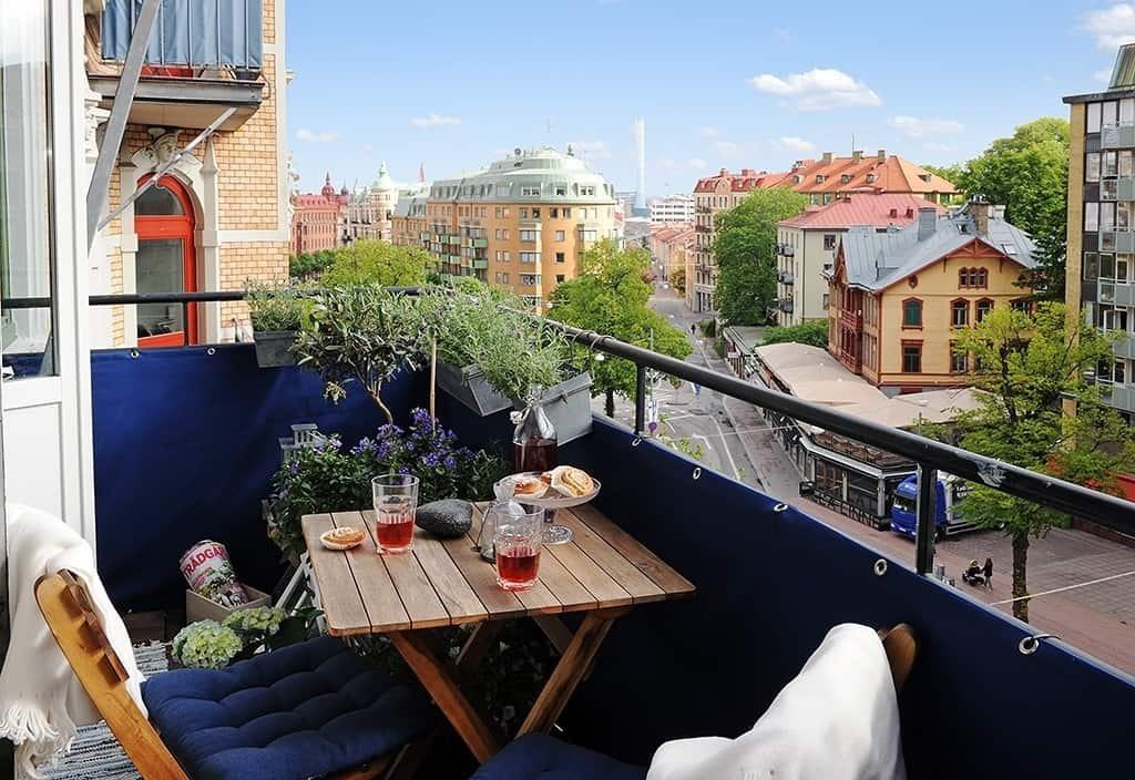 Fabulous-Spring-Balcony-Decor-Ideas-34-1 Kindesign
