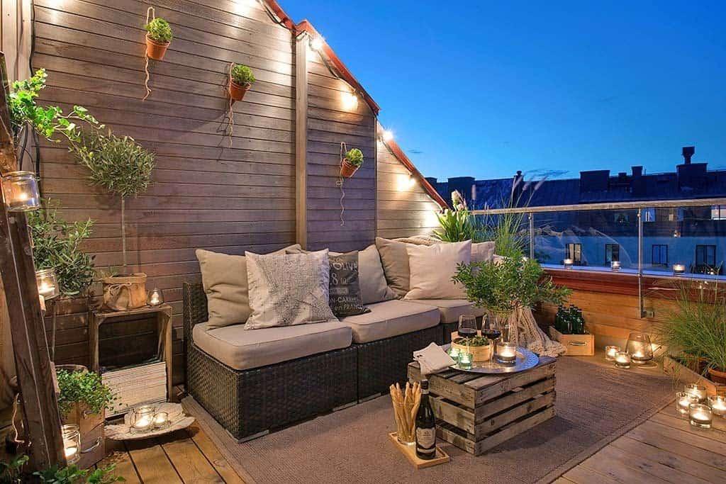 Fabulous-Spring-Balcony-Decor-Ideas-37-1 Kindesign