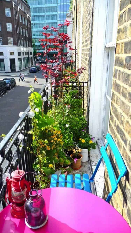 Fabulous-Spring-Balcony-Decor-Ideas-44-1 Kindesign
