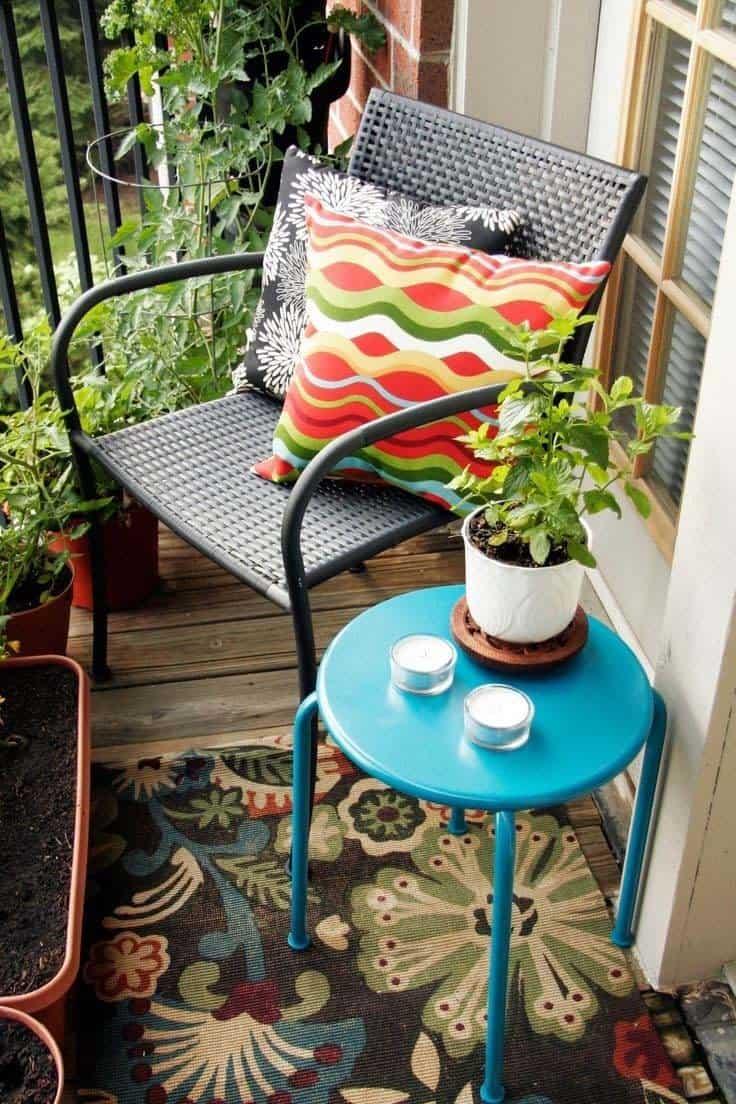 Fabulous-Spring-Balcony-Decor-Ideas-50-1 Kindesign
