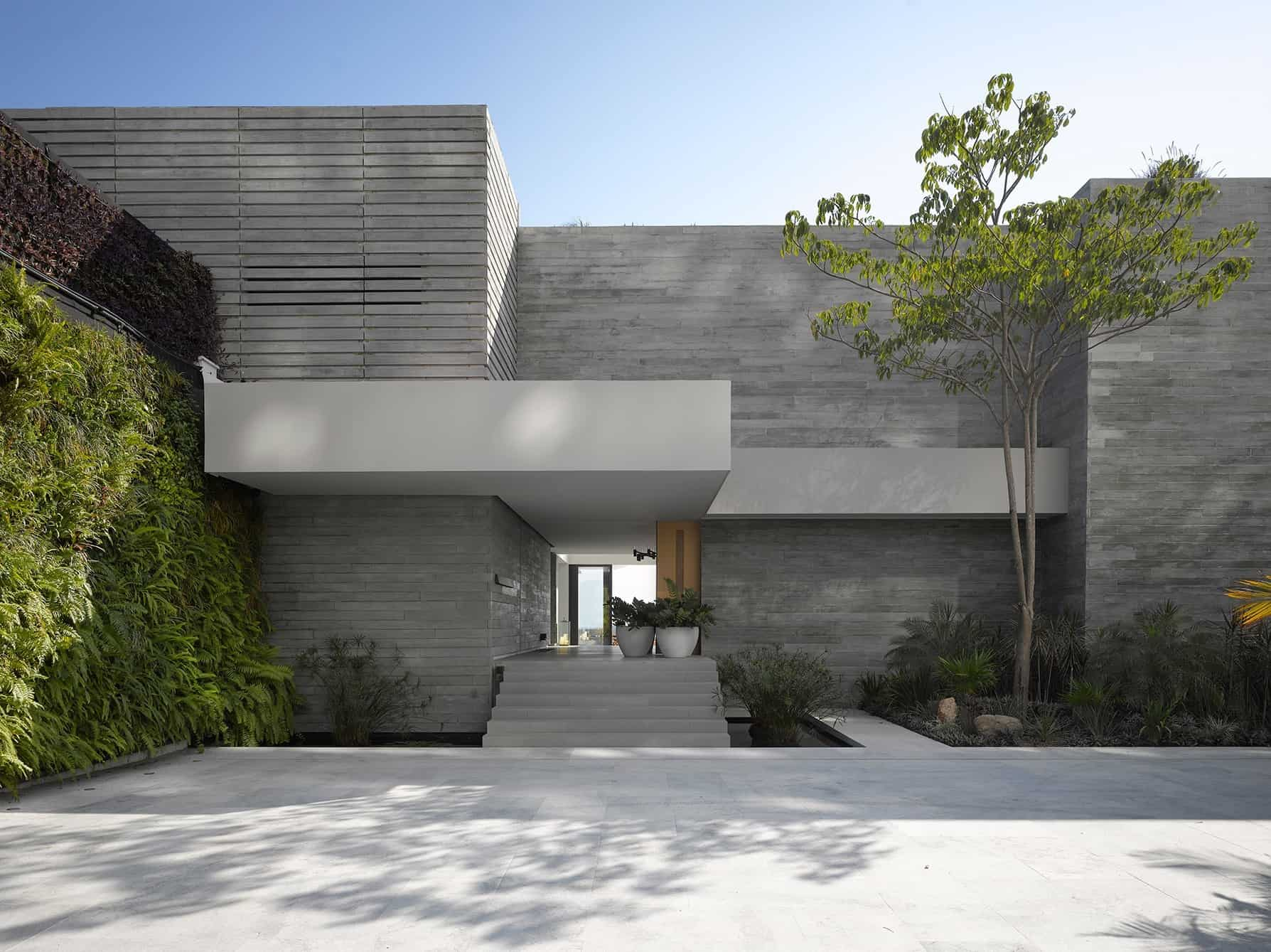 Modern-House-Architecture-Ezequiel Farca-01-1 Kindesign