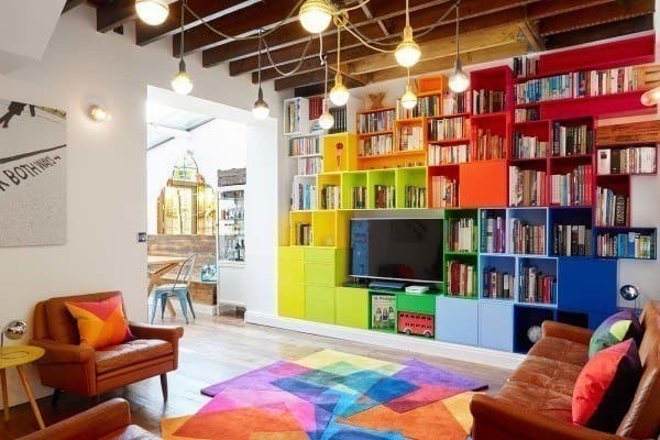 featured posts image for Delightful apartment in London full of color and personality