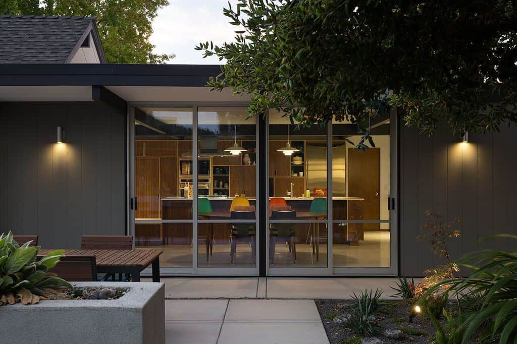Eichler Remodel-Klopf Architecture-23-1 Kindesign