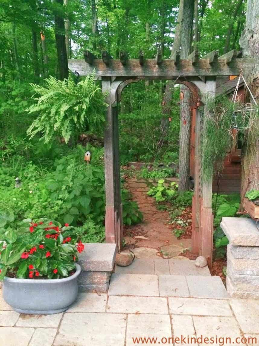 Garden Stone Pathway Ideas-046-1 Kindesign