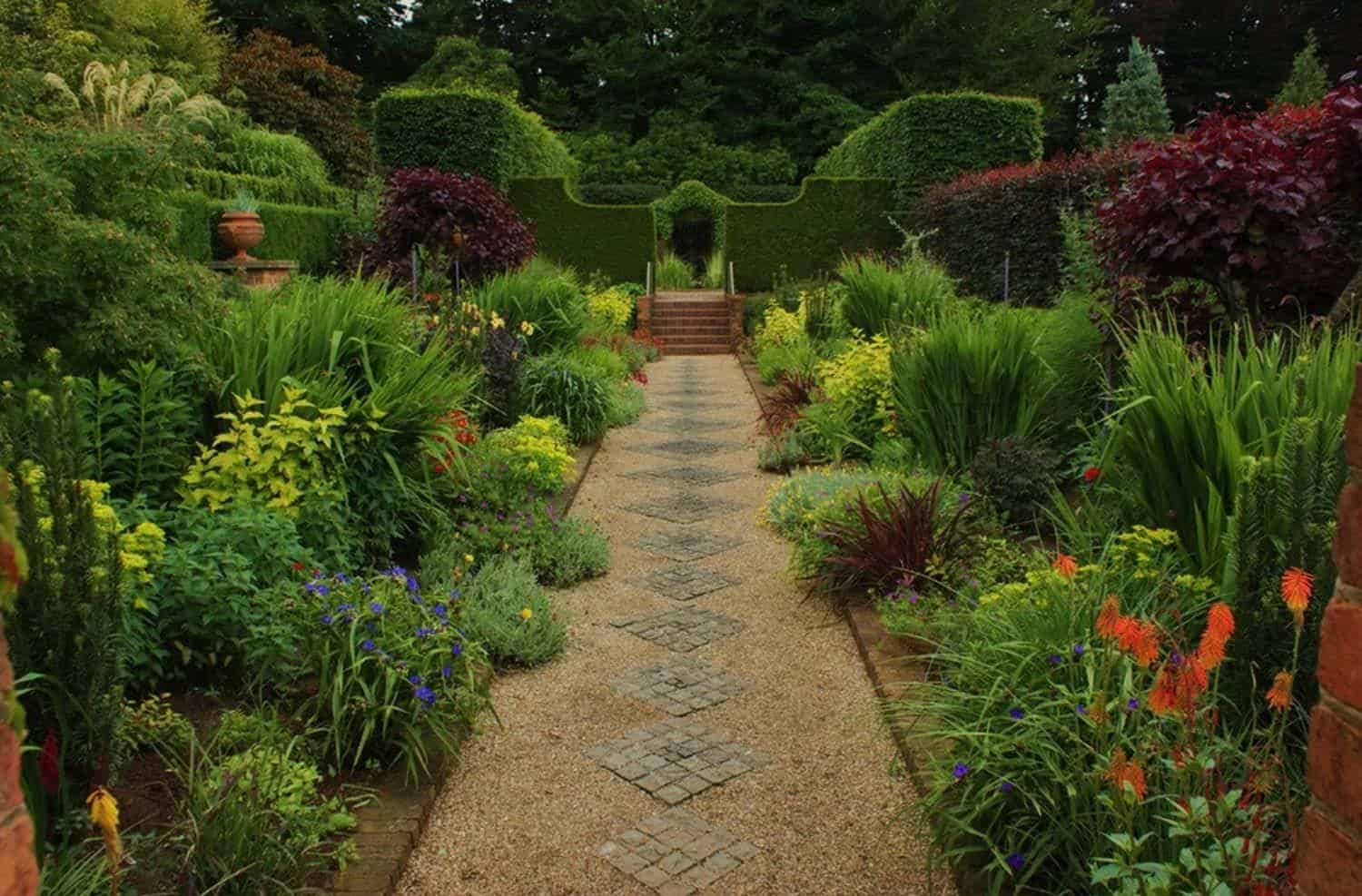 Secret Garden: 40 Brilliant Ideas For Stone Pathways In Your Garden