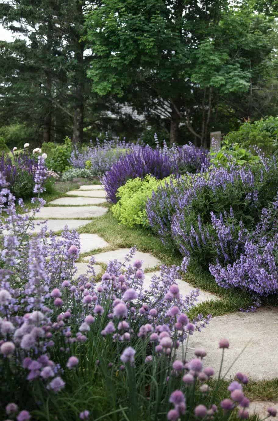 Garden Stone Pathway Ideas-10-1 Kindesign