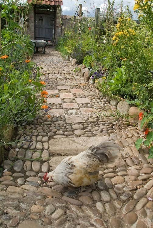 Garden Stone Pathway Ideas-12-1 Kindesign