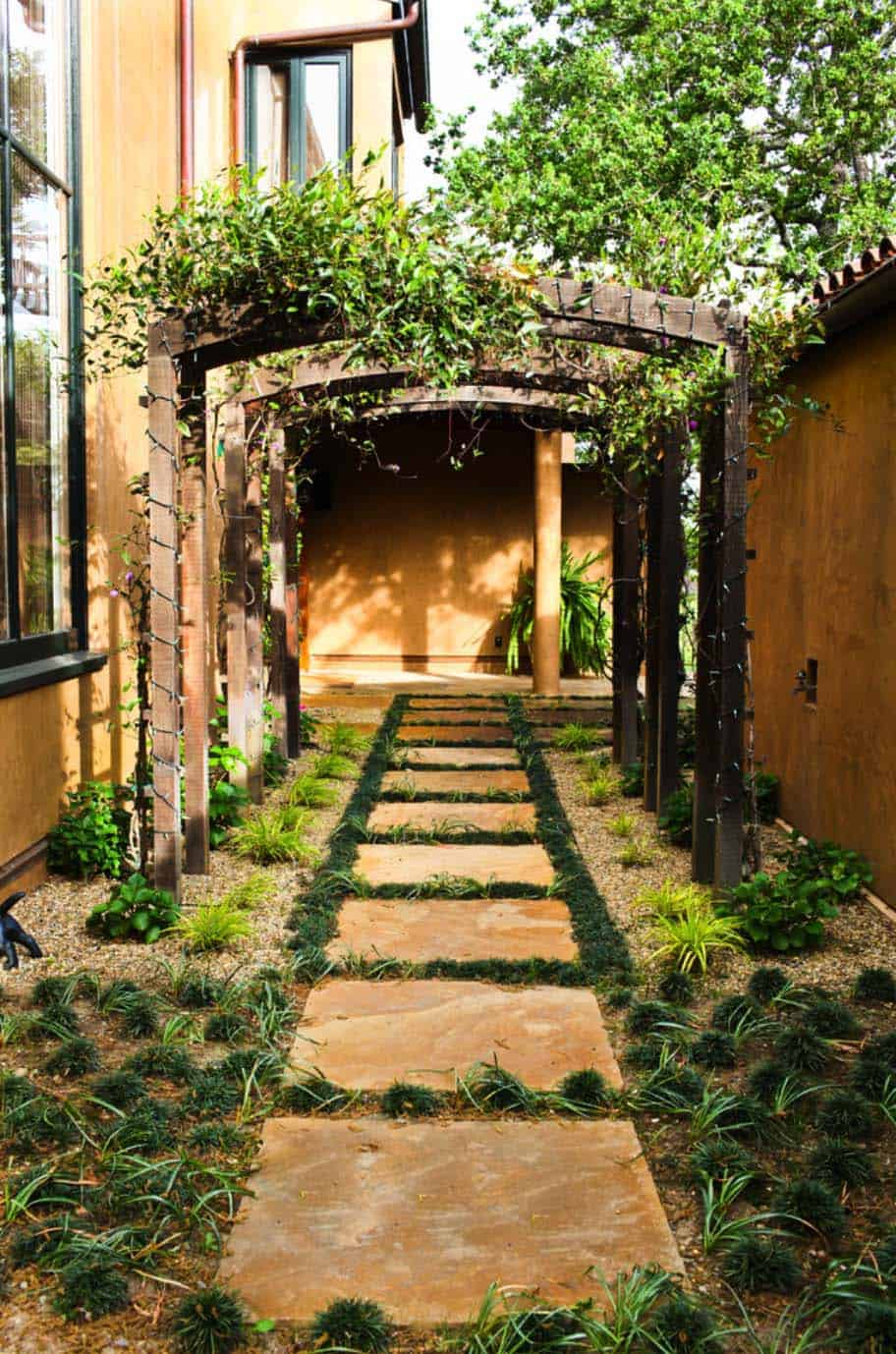 40 Brilliant ideas for stone pathways in your garden on Backyard Pathway Ideas id=25617