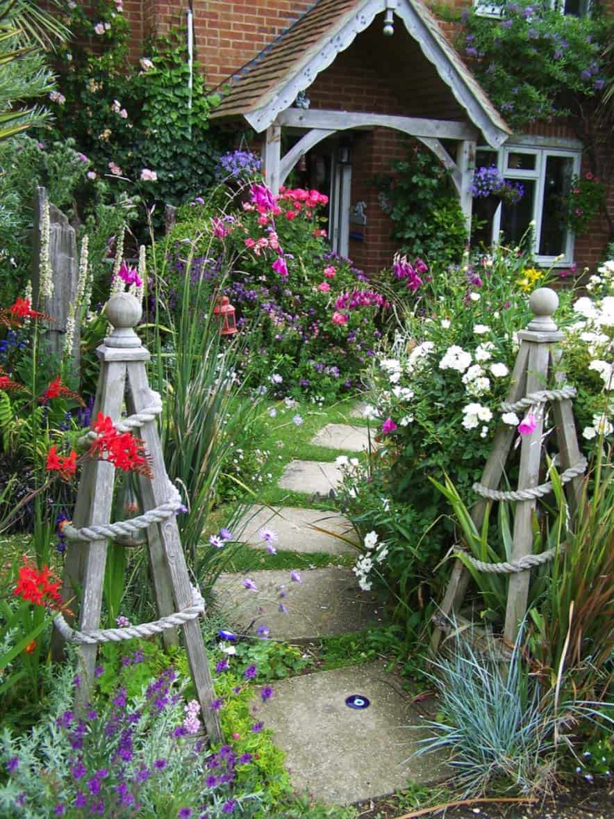 Garden Stone Pathway Ideas-21-1 Kindesign