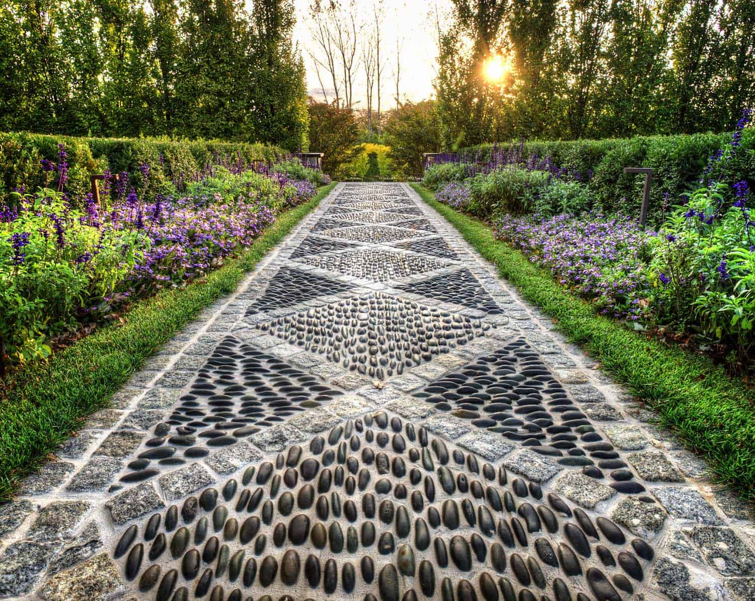 Garden Stone Pathway Ideas-23-1 Kindesign