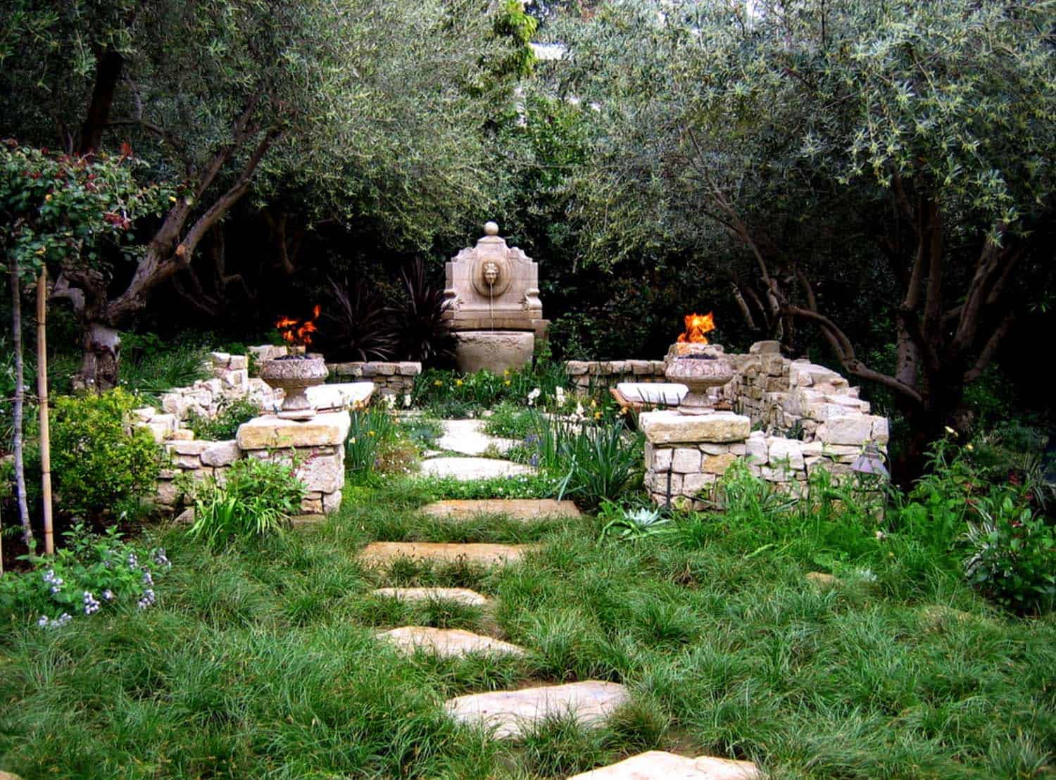 Garden Stone Pathway Ideas-24-1 Kindesign