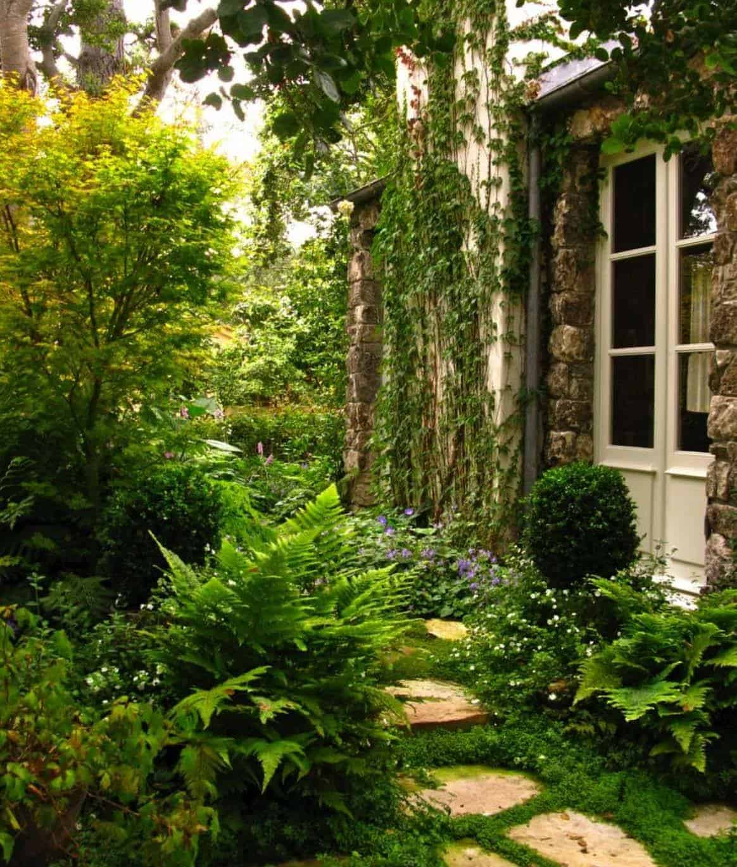 Garden Stone Pathway Ideas-29-1 Kindesign
