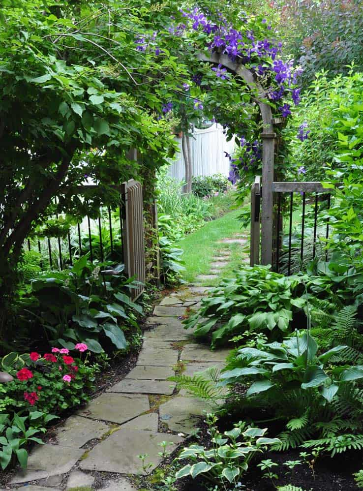 40 Brilliant ideas for stone pathways in your garden on Patio And Gravel Garden Ideas id=60668