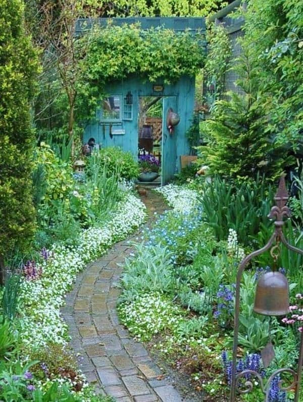 Garden Stone Pathway Ideas-36-1 Kindesign