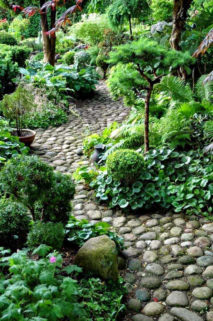 Garden Stone Pathway Ideas-37-1 Kindesign