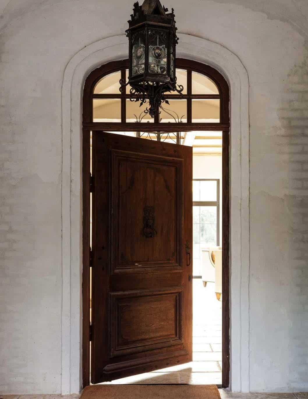 Mediterranean Style Residence-Stocker Hoesterey Montenegro-19-1 Kindesign