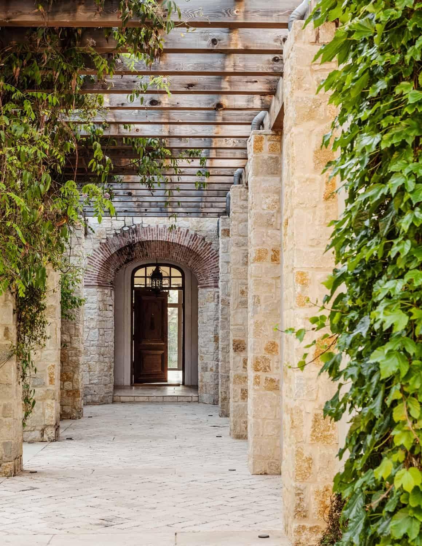 Mediterranean Style Residence-Stocker Hoesterey Montenegro-20-1 Kindesign