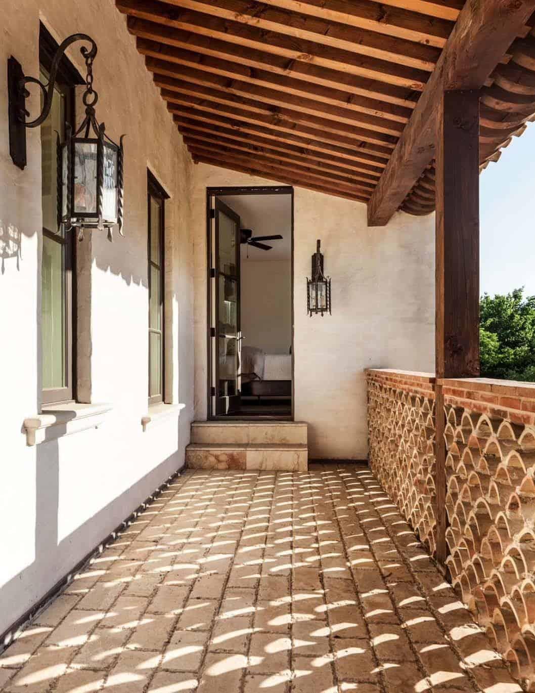 Mediterranean Style Residence-Stocker Hoesterey Montenegro-22-1 Kindesign