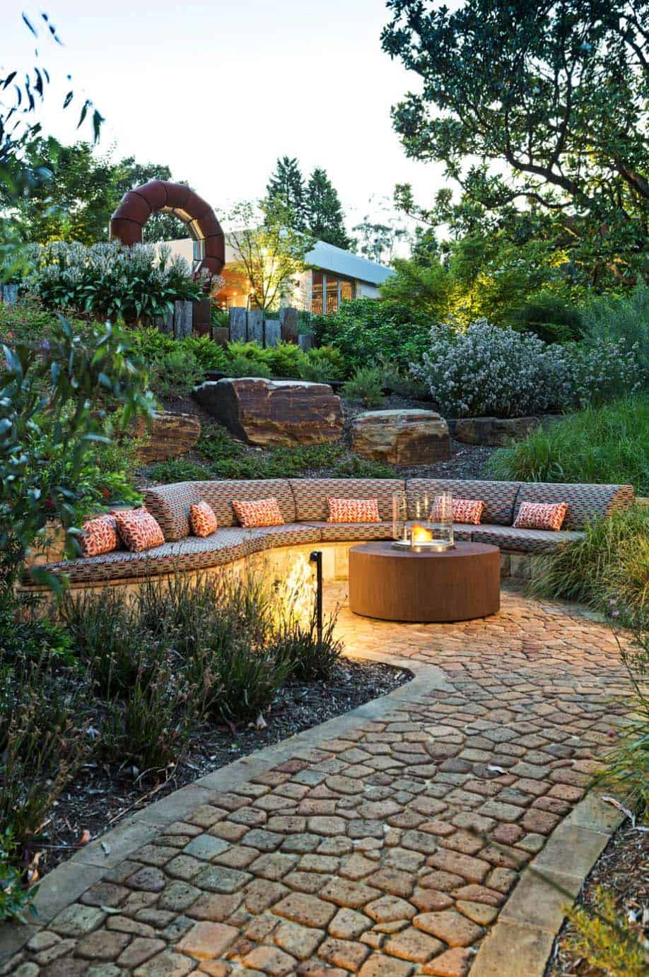 Modern Outdoor Patio Design-14-1 Kindesign