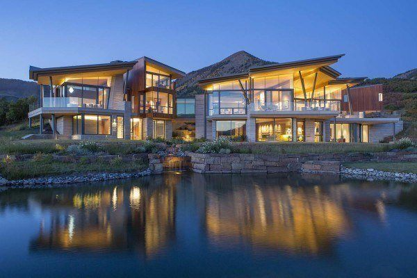 featured posts image for Jaw-dropping cliffside home with ultra-modern design in Telluride