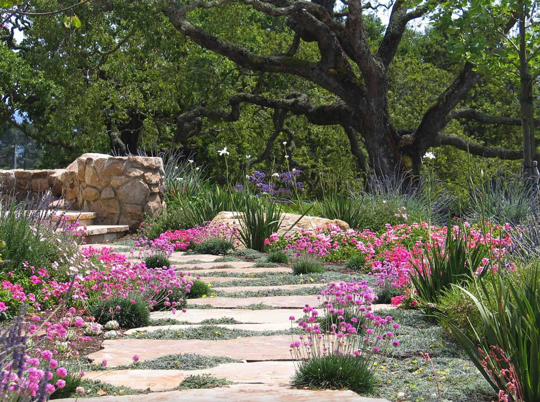 coastside-retreat-garden-stepping-stones