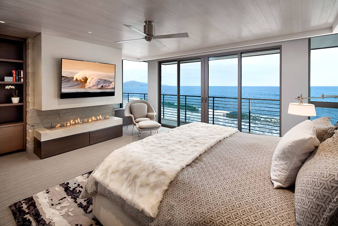 Bedroom With Ocean Views-02-1 Kindesign
