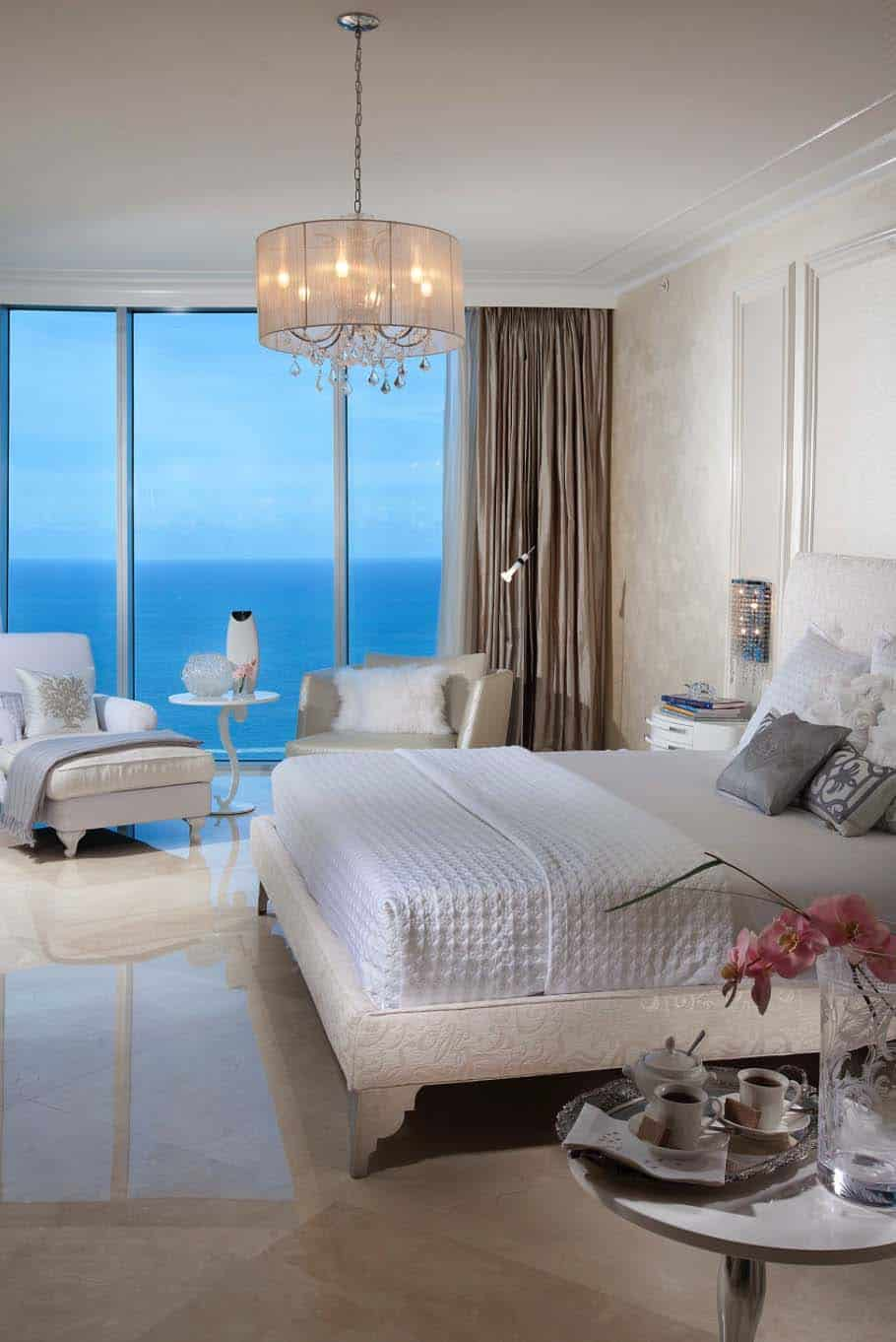 33 Sun Drenched Bedrooms With Mesmerizing Ocean Views