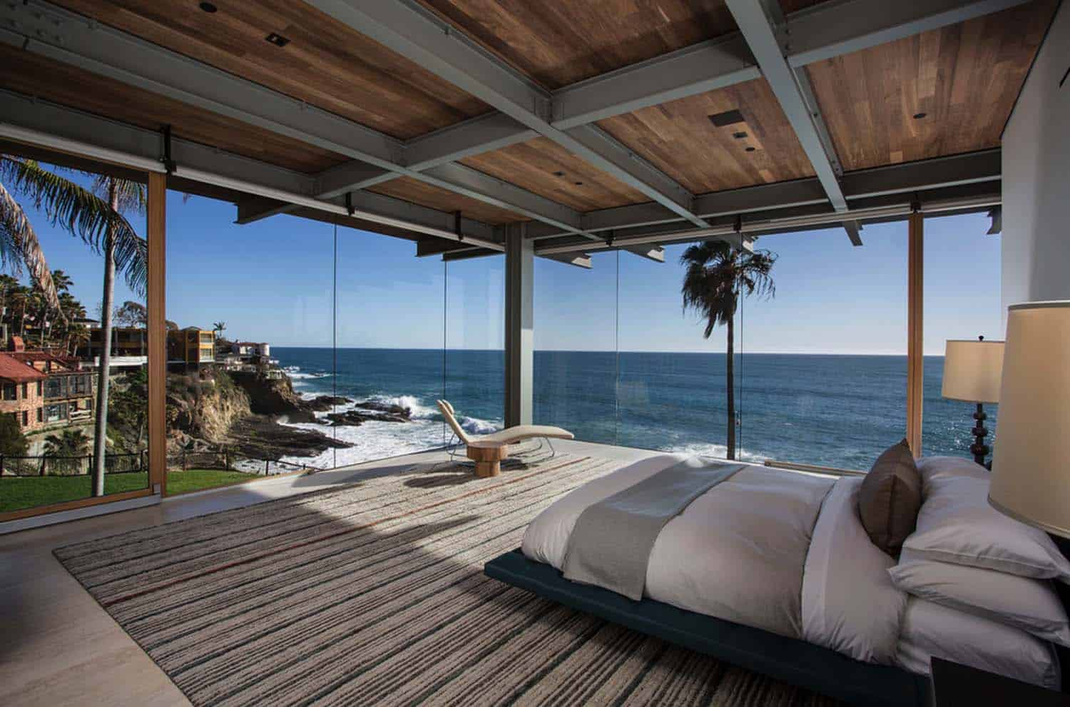 Bedroom With Ocean Views-21-1 Kindesign