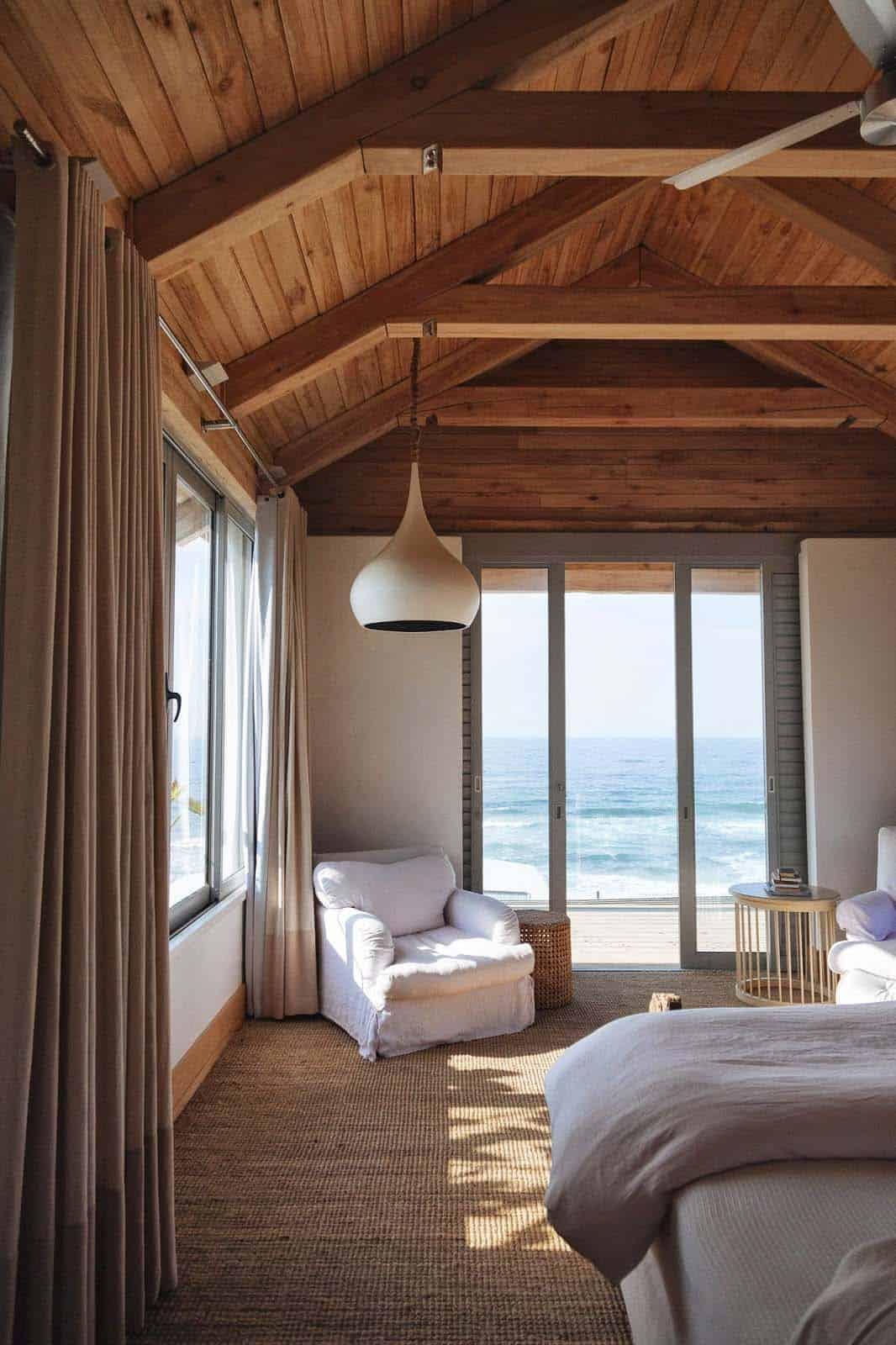 Bedroom With Ocean Views-25-1 Kindesign